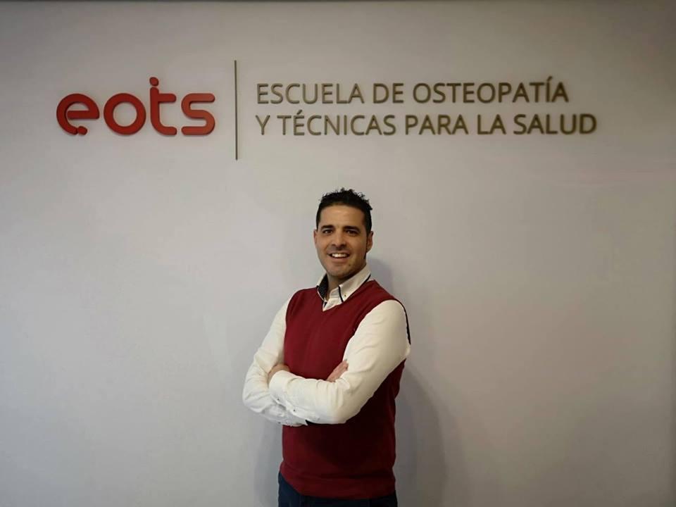 profesor de osteopatia en la escuela de osteopatia eots